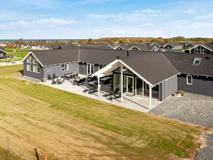 Ferienhaus für 30 Personen (375 m²) ab 321 €