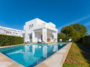 Ferienhaus für 6 Personen (360 m²) ab 211 €