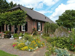 Ferienhaus für 8 Personen (178 m²) ab 79 €