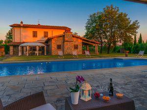 Ferienhaus für 10 Personen ab 480 €