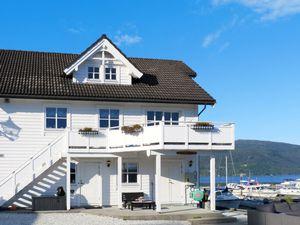 Ferienhaus für 10 Personen (230 m²) ab 136 € in Strandebarm