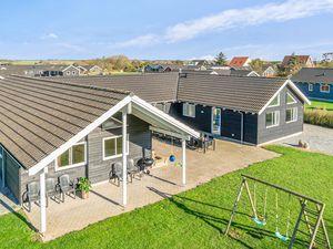 Ferienhaus für 20 Personen (315 m²) ab 181 € in Sydals