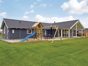Ferienhaus für 14 Personen (235 m²) ab 109 € in Sydals