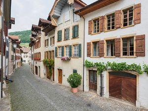 Ferienhaus für 4 Personen ab 205 € in Twann