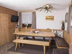 Ferienhaus für 12 Personen (170 m²) ab 216 € in Untertauern