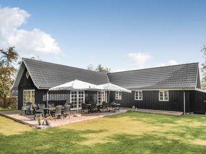 Ferienhaus für 12 Personen (156 m²) ab 61 € in Væggerløse