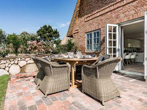 Ferienhaus für 8 Personen (200 m²) ab 280 € in Wenningstedt