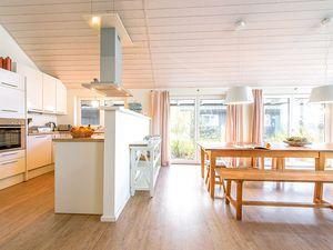 67307-Ferienhaus-12-Wiek auf Rügen-300x225-6