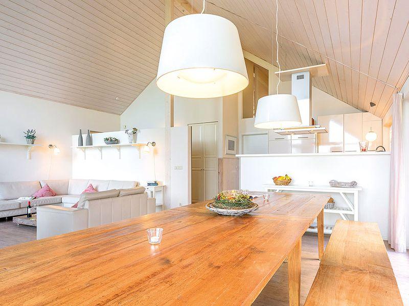 67307-Ferienhaus-12-Wiek auf Rügen-800x600-8