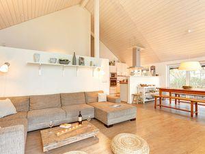 67210-Ferienhaus-12-Wiek auf Rügen-300x225-1