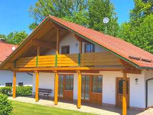 Ferienhaus für 8 Personen ab 65 € in Windorf