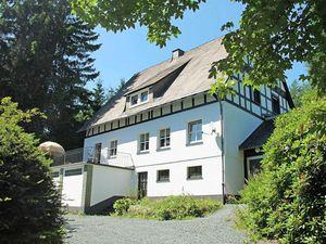 Ferienhaus für 12 Personen (240 m²) ab 262 € in Winterberg