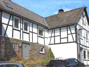 Ferienhaus für 12 Personen (162 m²) ab 262 € in Winterberg