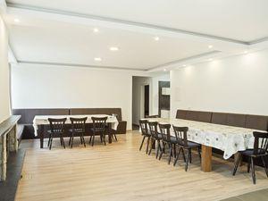 Ferienhaus für 12 Personen ab 1.610 € in Winterberg