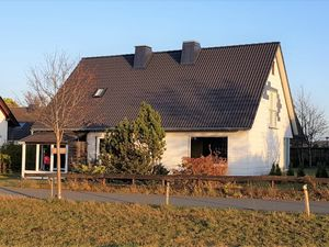 22651203-Ferienhaus-10-Winterberg-300x225-1