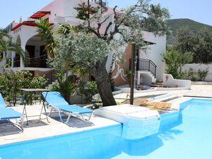 Ferienhaus für 8 Personen (240 m²) ab 175 € in Xiropigado