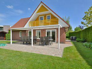 Ferienhaus für 10 Personen (200 m²) ab 127 € in Zeewolde