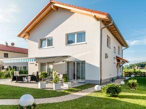 Ferienwohnung für 8 Personen (167 m²) ab 270 € in Aschau im Chiemgau
