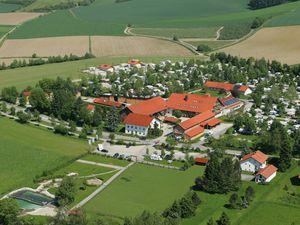 9240360-Ferienwohnung-2-Bad Birnbach-300x225-1