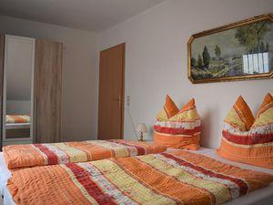 18807257-Ferienwohnung-4-Bad Fallingbostel-300x225-3
