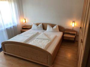 22480105-Ferienwohnung-4-Bad Herrenalb-300x225-0