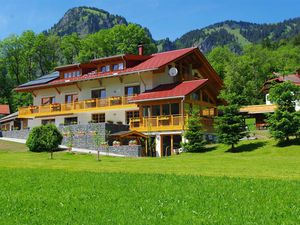 Ferienwohnung für 5 Personen (65 m²) ab 90 € in Bad Hindelang