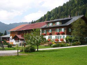 Ferienwohnung für 4 Personen (70 m²) ab 88 € in Bad Hindelang