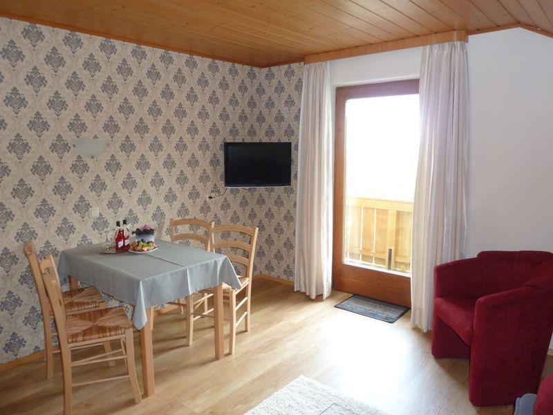 21728325-Ferienwohnung-4-Bad Kohlgrub-800x600-5