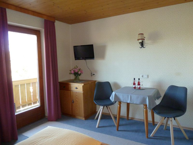 21728325-Ferienwohnung-4-Bad Kohlgrub-800x600-4