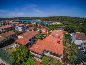 Ferienwohnung für 4 Personen (79 m²) ab 74 € in Banjole