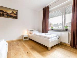 22506569-Ferienwohnung-7-Bergisch Gladbach-300x225-5