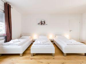 22506571-Ferienwohnung-4-Bergisch Gladbach-300x225-4