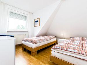 22614685-Ferienwohnung-4-Bergisch Gladbach-300x225-5