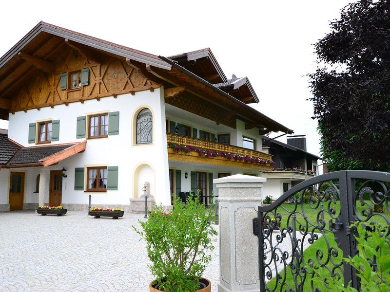 22055527-Ferienwohnung-3-Bernau am Chiemsee-800x600-2