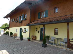 19085764-Ferienwohnung-4-Bolsterlang-300x225-3