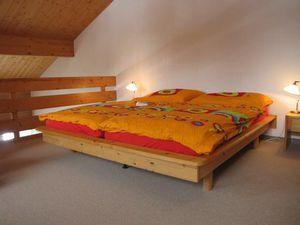 4154783-Ferienwohnung-4-Braunwald-300x225-4