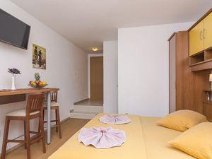 18004518-Ferienwohnung-3-Brela-300x225-10