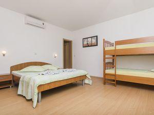 18004517-Ferienwohnung-4-Brela-300x225-10