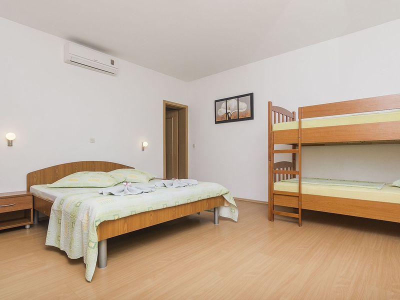 18004517-Ferienwohnung-4-Brela-800x600-10