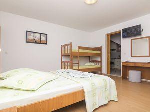18004517-Ferienwohnung-4-Brela-300x225-12