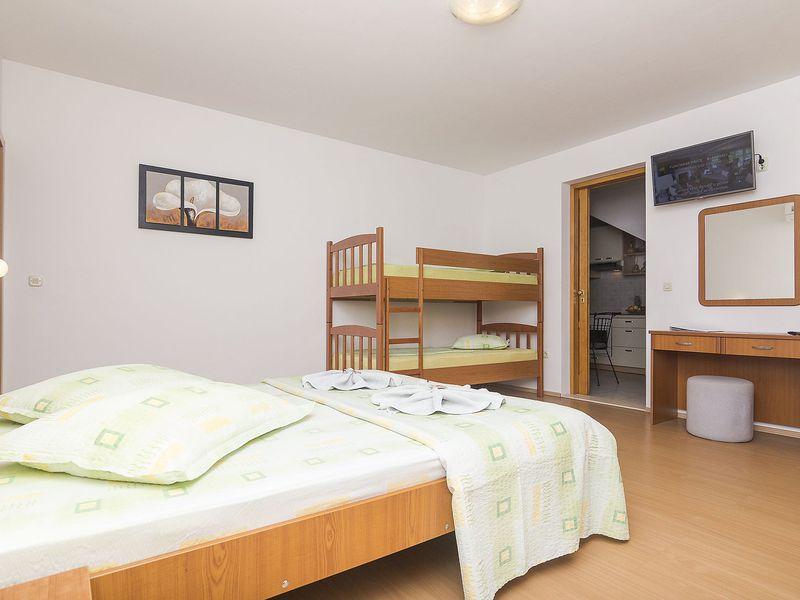 18004517-Ferienwohnung-4-Brela-800x600-12
