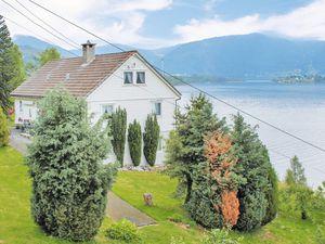 Ferienwohnung für 5 Personen (60 m²) ab 54 € in Bruvik
