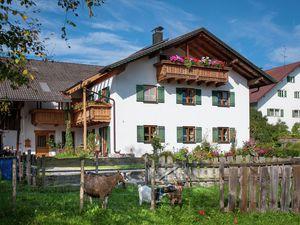 Ferienwohnung für 5 Personen (65 m²) ab 87 € in Burggen