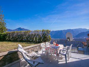 Ferienwohnung für 7 Personen (200 m²) ab 163 € in Cademario
