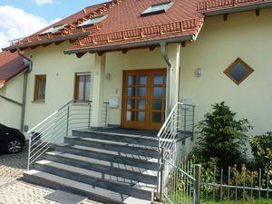 21993421-Ferienwohnung-2-Eckersdorf-300x225-1