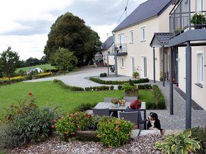 17621339-Ferienwohnung-4-Eilscheid-300x225-1