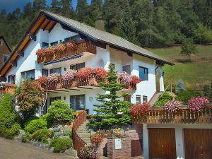 Ferienwohnung für 3 Personen (40 m²) ab 48 € in Enzklösterle