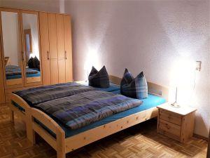 21881407-Ferienwohnung-8-Erfurt-300x225-13