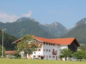 Ferienwohnung für 3 Personen (57 m²) ab 92 € in Flintsbach