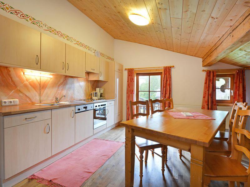 ferienwohnung f r 6 personen 100 m ab 120 id 18050560 going am wilden kaiser. Black Bedroom Furniture Sets. Home Design Ideas